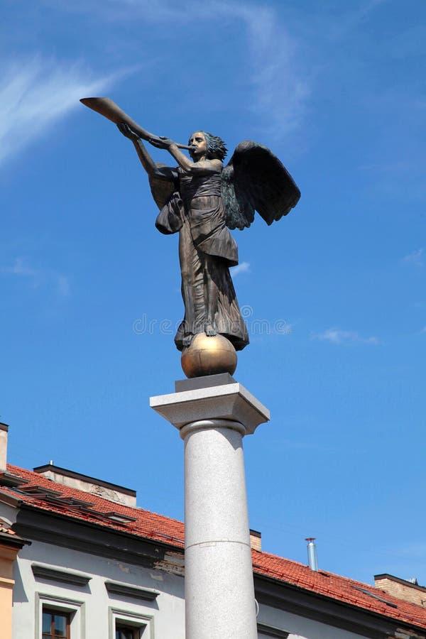 Standbeeld van een engel in Uzupio, Vilnius, Litouwen stock afbeeldingen
