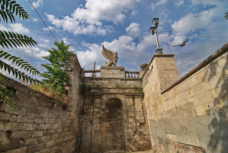 Standbeeld van een Griffioen op mithridates de treden royalty-vrije stock afbeelding