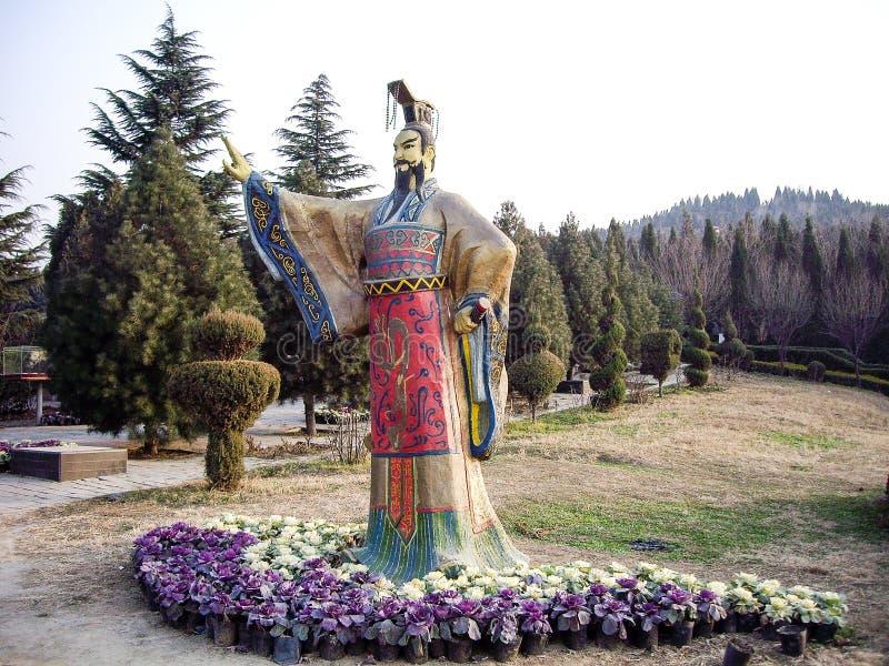 Standbeeld van Eerste Qin Emperor in zijn Mausoleum, Xian, China royalty-vrije stock foto