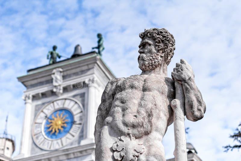 Standbeeld van eeuw 16 Standbeeld van Hercules stock fotografie