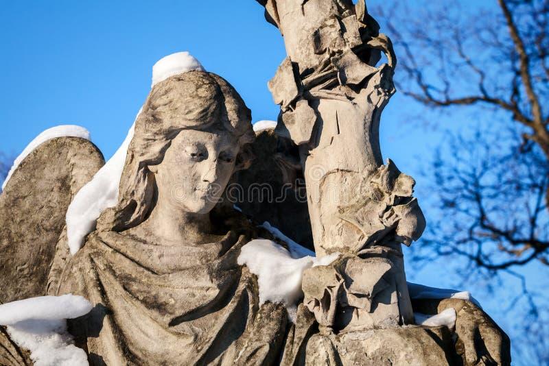 Standbeeld van engel stock foto's