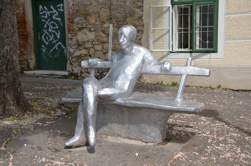 Standbeeld van fameouse Kroatische romanschrijver royalty-vrije stock afbeelding
