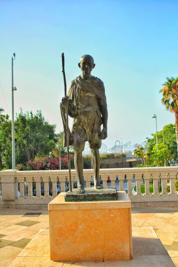 Standbeeld van Gandhi in Cueta, Noord-Afrika, Spanje royalty-vrije stock foto