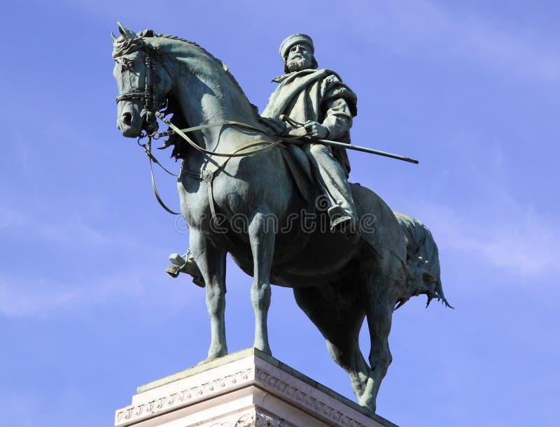 Standbeeld van Garibaldi in Milaan royalty-vrije stock afbeeldingen