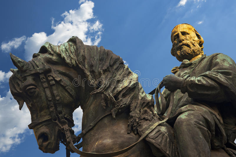 Standbeeld van Giuseppe Garibaldi - Verona Italy stock foto