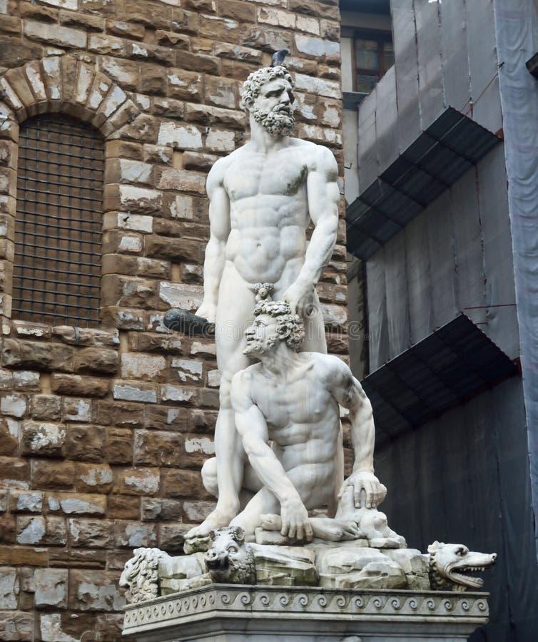Standbeeld van Hercules en Cacus stock foto