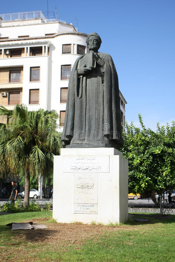Standbeeld van Ibn Khaldoun stock foto's