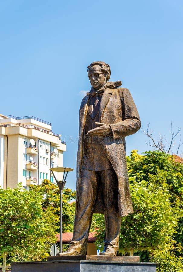 Standbeeld van Ibrahim Rugova in Pristina royalty-vrije stock foto's