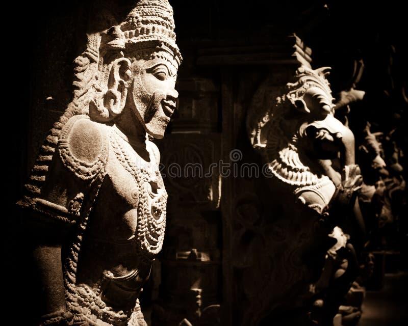 Standbeeld van Indische god bij Hindoese Tempel India royalty-vrije stock foto