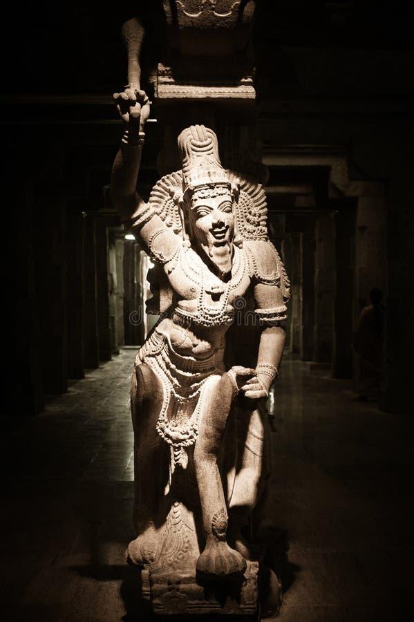 Standbeeld van Indische god bij Hindoese Tempel India stock foto's