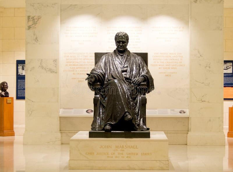 Standbeeld van John Marshall bij Hooggerechtshof in Washington DC royalty-vrije stock foto