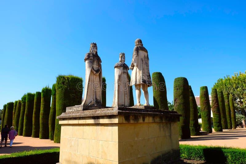 Standbeeld van Katholiek Koningen en Columbus in Alcazar, Cordoba royalty-vrije stock fotografie