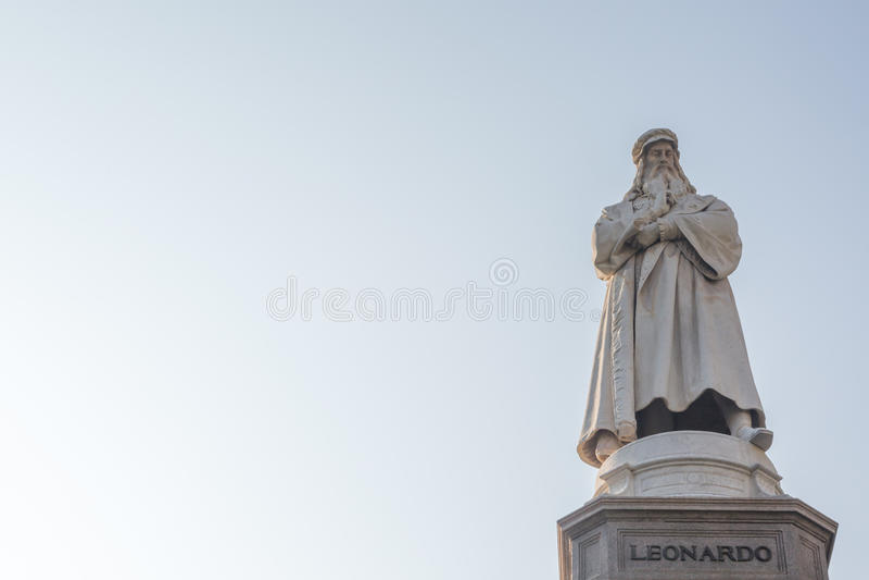Standbeeld van Leonardo da Vinci stock afbeelding