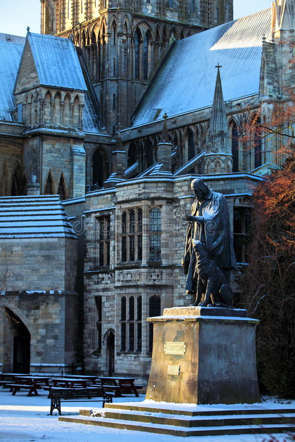 Standbeeld van Lord Tennyson in Lincoln Cathdral stock foto