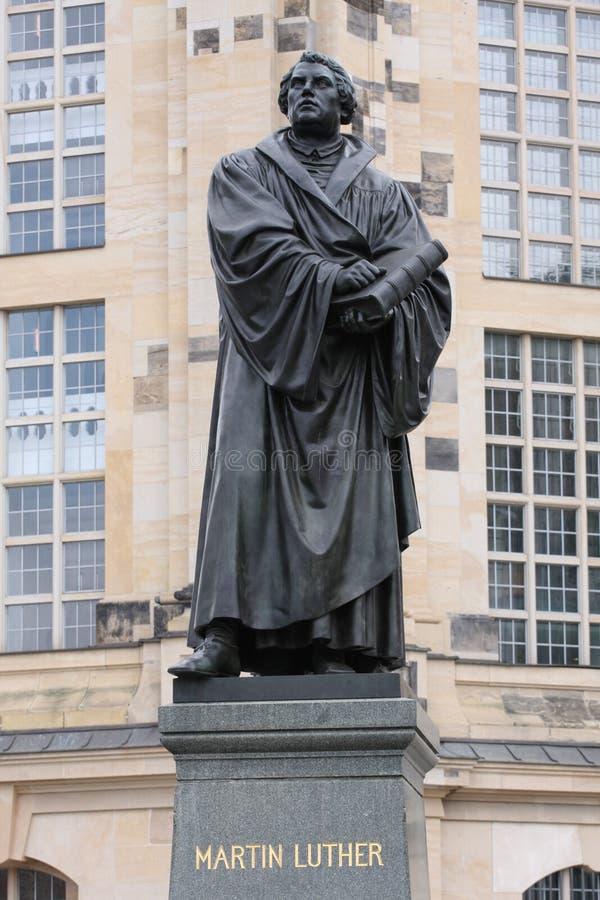 Standbeeld van Martin Luther in Dresden, door Adolf von Donndorf in 1885 wordt gebouwd die royalty-vrije stock fotografie