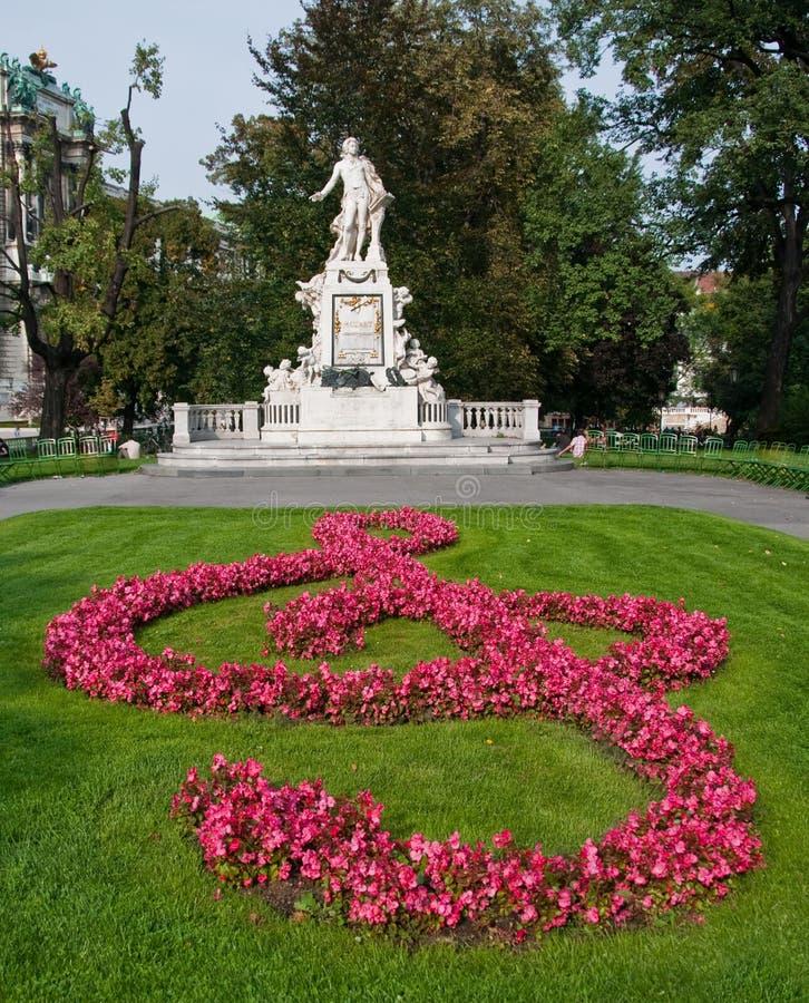 Standbeeld van Mozart stock afbeeldingen