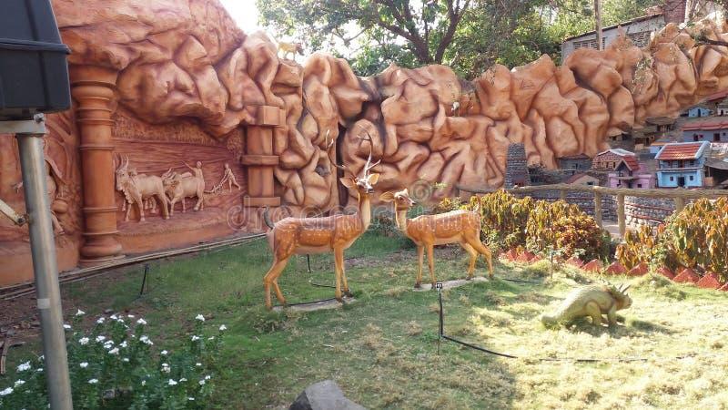 Standbeeld van Natuurlijke schoonheid met herten royalty-vrije stock foto's