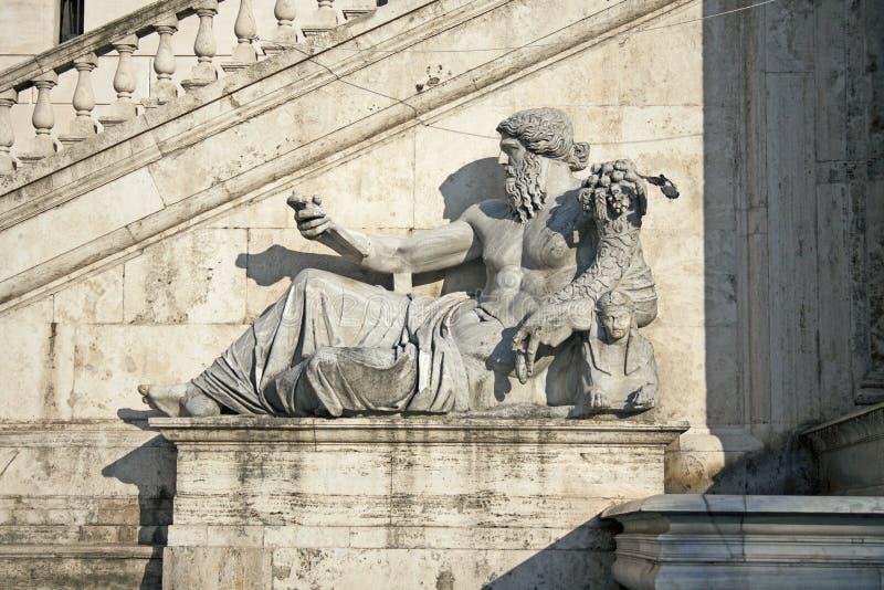 Standbeeld van Nile God, Piazza del Campidoglio, Rome, Italië stock afbeelding