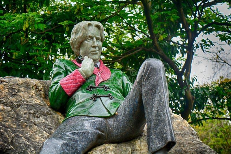 Standbeeld van Oscar Wilde bij Merrion-Vierkant, Dublin, Ierland royalty-vrije stock foto