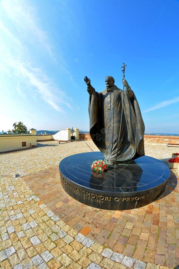 Standbeeld van paus Johannes Paulus II in Nitra stock foto's