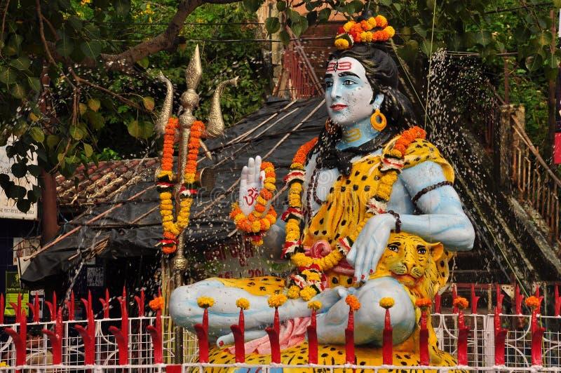 Standbeeld van Shiva in Laxman Julla, Rishikesh, India stock afbeeldingen