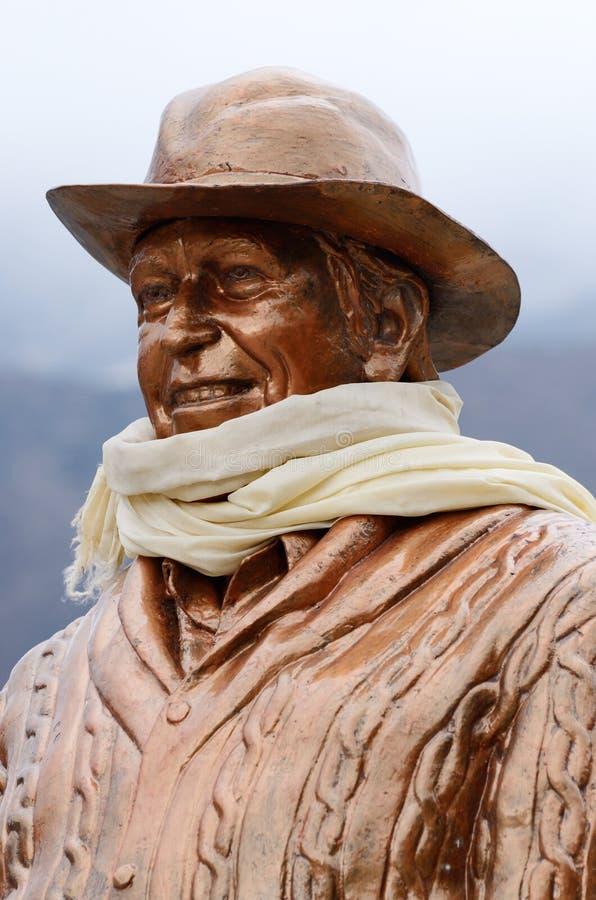 Standbeeld van Sir Edmund Hillary in Khumjung-dorp, Nepal stock foto's