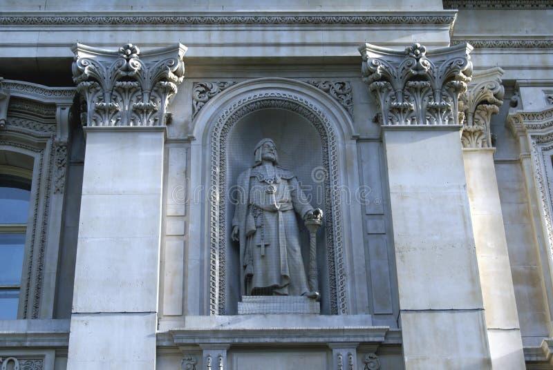 Standbeeld van Sir Richard Whittington, Koninklijke Uitwisselingsvoorgevel in Londen, Engeland stock afbeelding