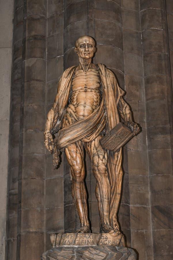 Standbeeld van St Bartholomew in de Kathedraal van Milaan, Duomo, Italië royalty-vrije stock foto's
