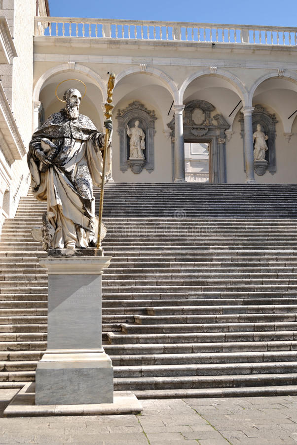 Standbeeld van St. Benedict royalty-vrije stock afbeelding