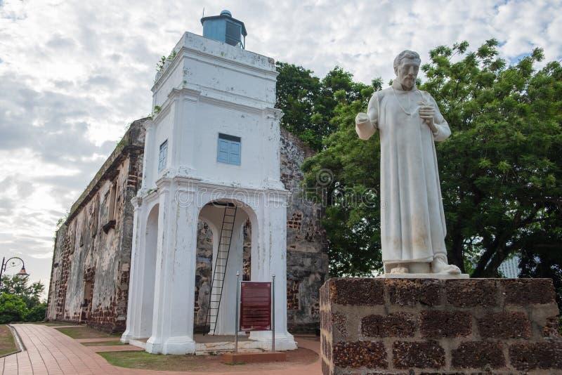 Standbeeld van St Francis Xavier voor de ruïnes van St Paul stock afbeelding