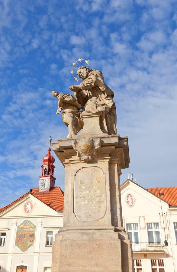 Standbeeld van St John van Nepomuk in Brandys-nad Labem royalty-vrije stock afbeelding