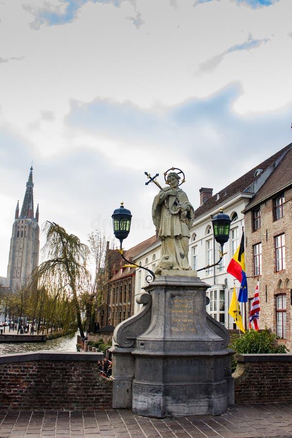 Standbeeld van StJohn van Nepomuk in Brugge royalty-vrije stock fotografie