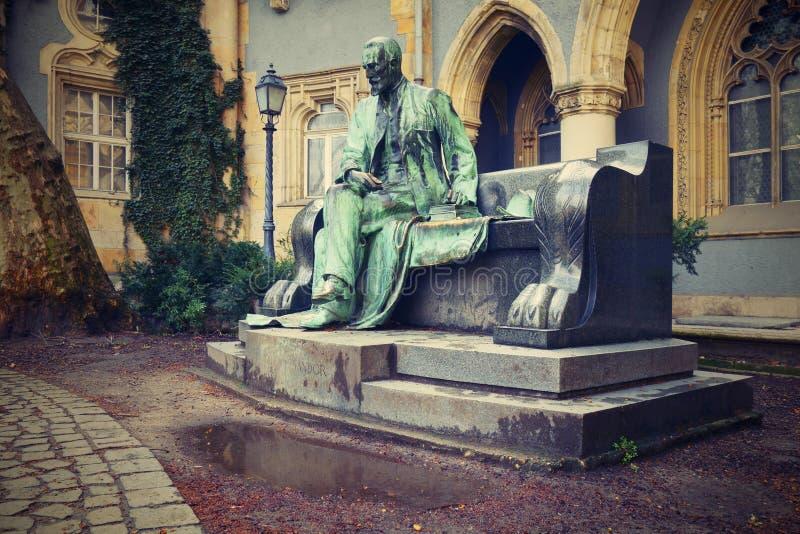 Standbeeld van Telling Sandor Karolyi stock afbeeldingen