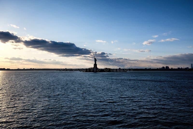 Standbeeld van Vrijheid in de Stad van New York Hudson River View stock afbeeldingen