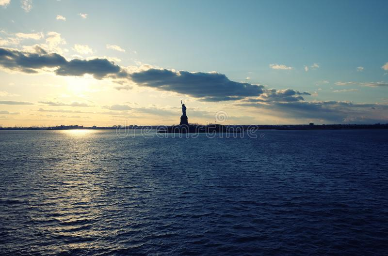 Standbeeld van Vrijheid in de Stad van New York Hudson River View royalty-vrije stock afbeelding