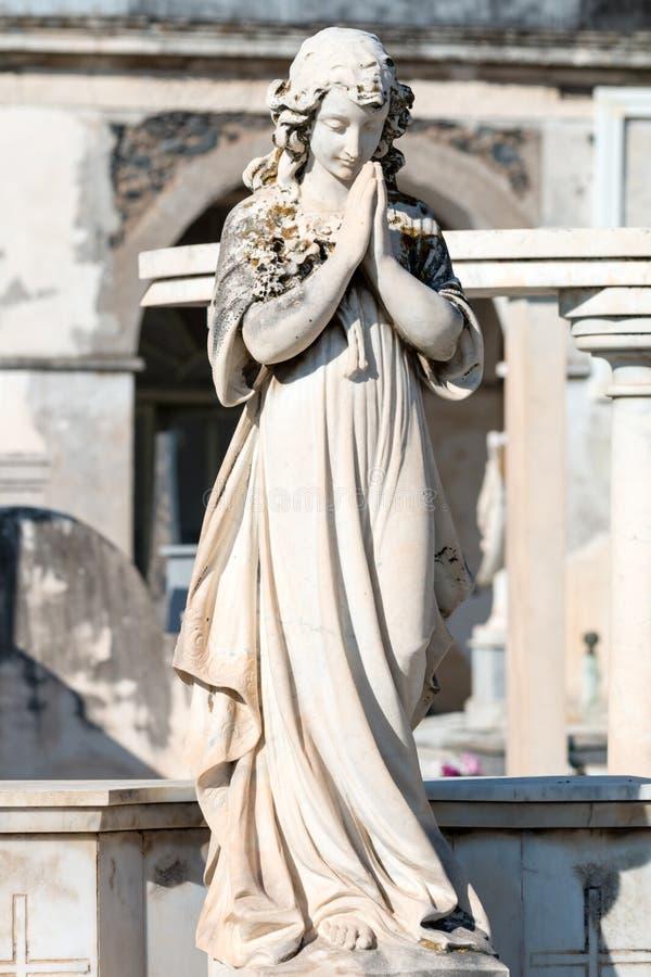 Standbeeld van vrouw stock foto