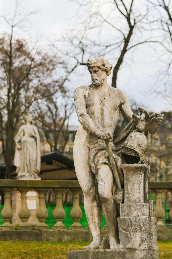 Standbeeld van Vulcan in Jardin du Luxemburg, Parijs, Frankrijk stock foto