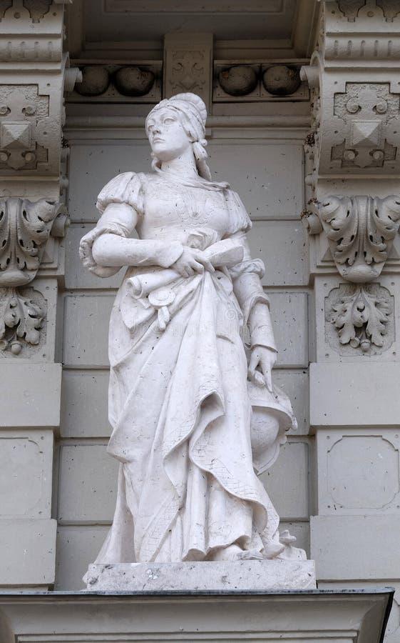 Standbeeld van Wetenschap, allegorische vertegenwoordiging, detail van Stadhuis, Graz stock foto's