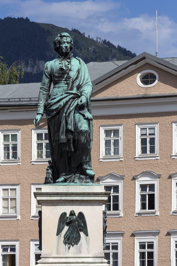 Standbeeld van Wolfgang Amadeus Mozart - Salzburg - Oostenrijk royalty-vrije stock foto's