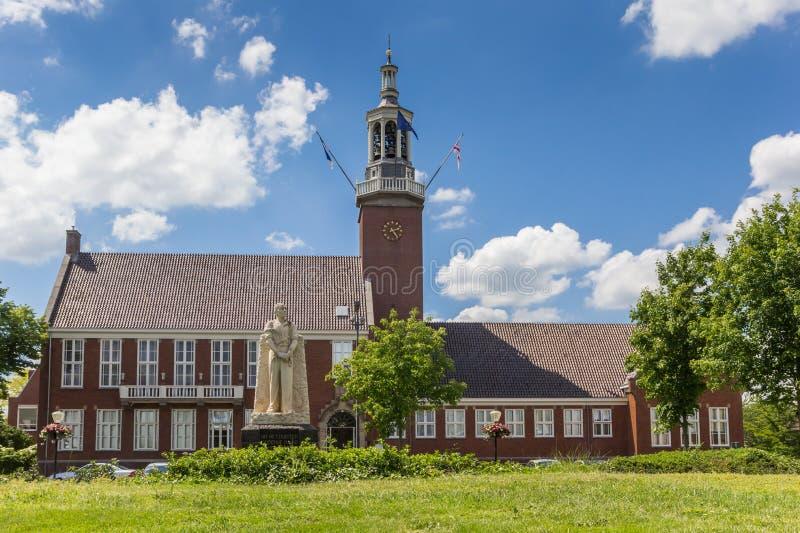 Standbeeld voor het stadhuis van Hoogeveen royalty-vrije stock foto
