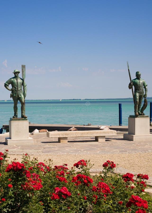 Standbeelden bij Meer Balaton stock afbeelding