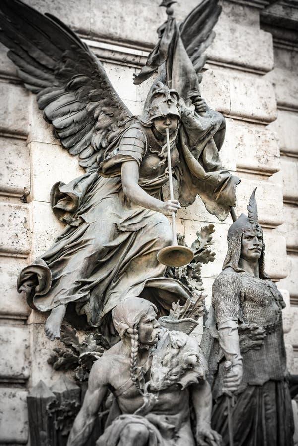 Standbeelden in Boedapest op kasteelheuvel royalty-vrije stock foto's