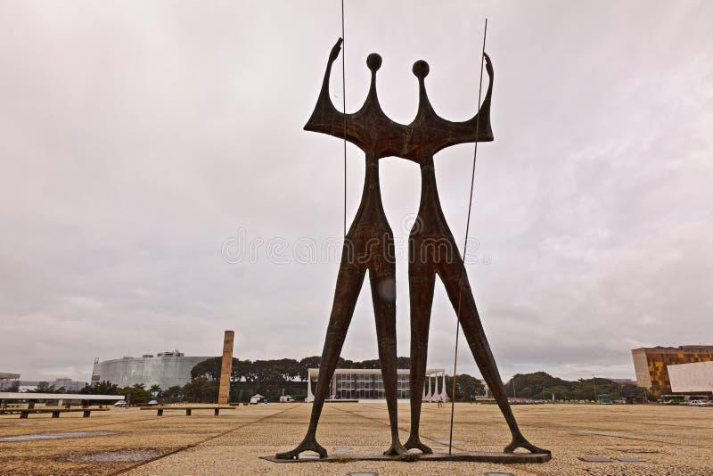 Standbeelden en Hooggerechtshof in Brasilia royalty-vrije stock afbeeldingen