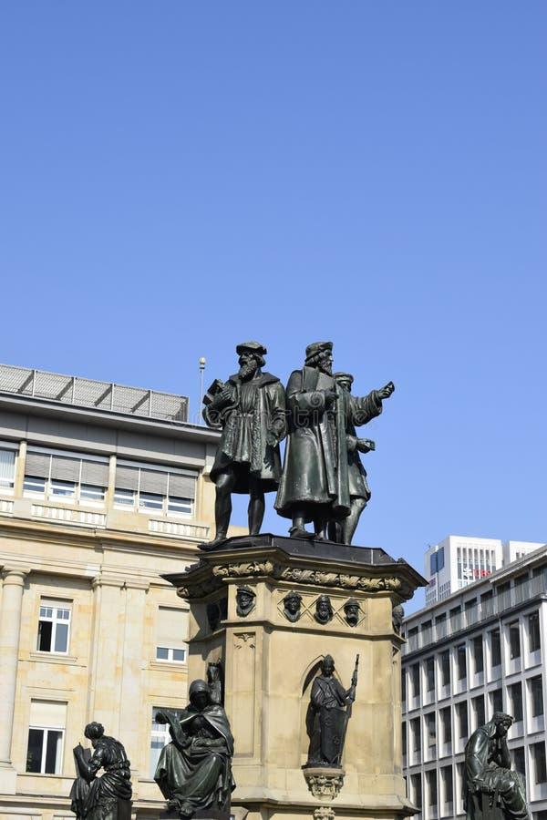 Standbeelden in Frankfurt royalty-vrije stock afbeelding