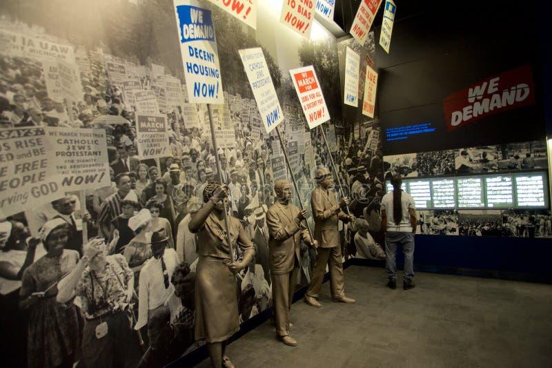 Standbeelden van Afrikaanse Amerikanen die binnen het Nationale Burgerrechtenmuseum in Lorraine Motel marcheren royalty-vrije stock foto's
