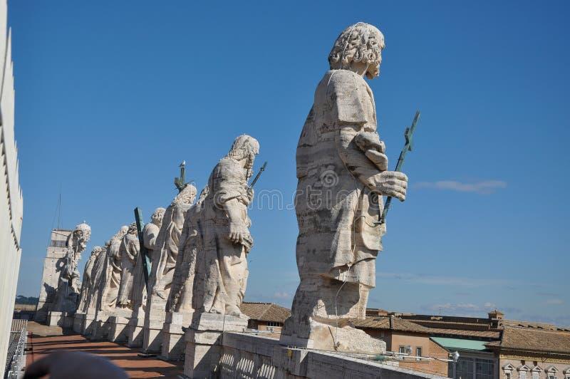 Standbeelden van de Apostelen De basiliek van heilige Peter ` s, Vatikaan royalty-vrije stock foto's