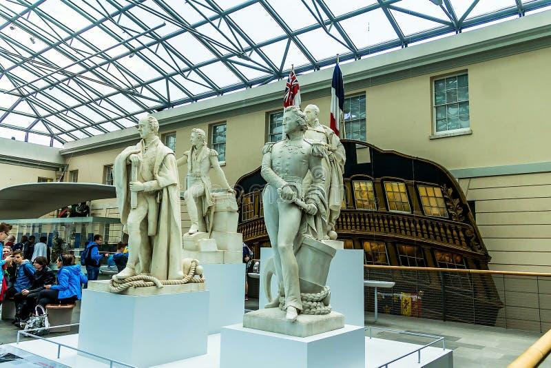 Standbeelden van Grote Historische Britse Kapiteins in Nationaal Maritiem Museum, Londen, Engeland stock foto's