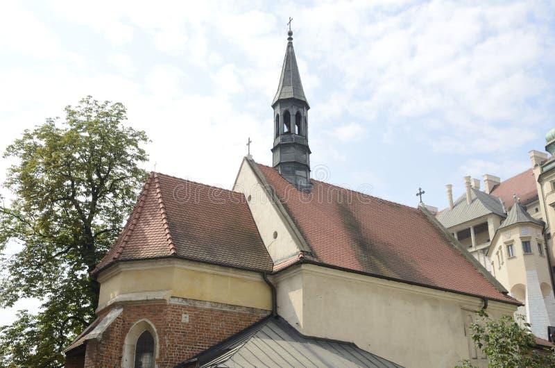 Standbeelden van heiligen voor kerk stock afbeelding