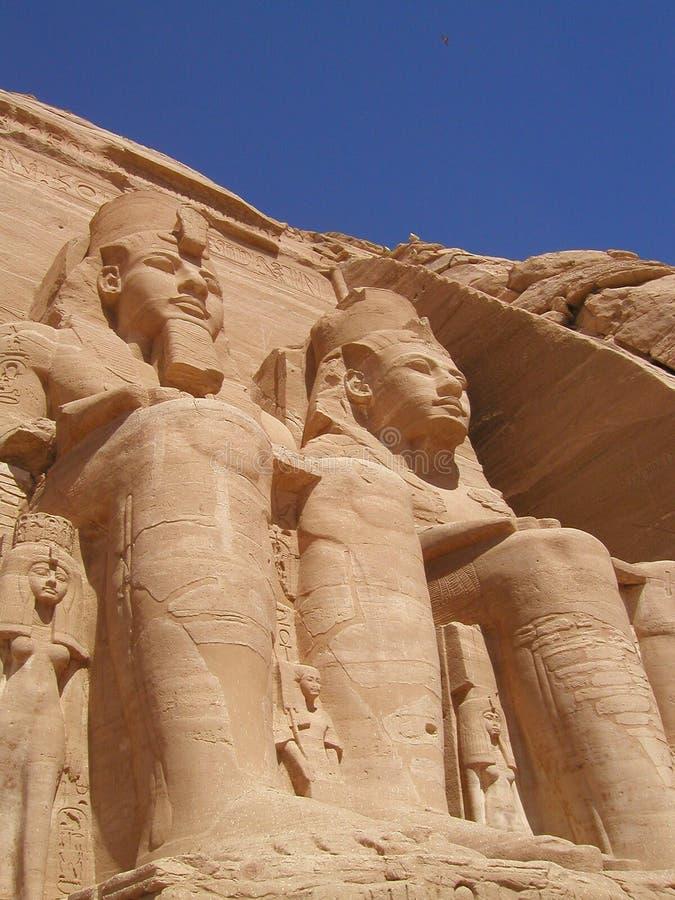 Standbeelden van oud Egypte stock fotografie