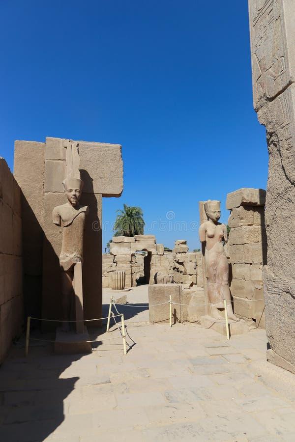 Standbeelden van pharaohs bij Tempel van Karnak, Egypte royalty-vrije stock afbeeldingen